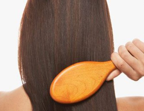 How to brush your hair correctly?